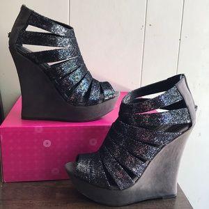Silver and grey platform strappy Shoedazzle heels